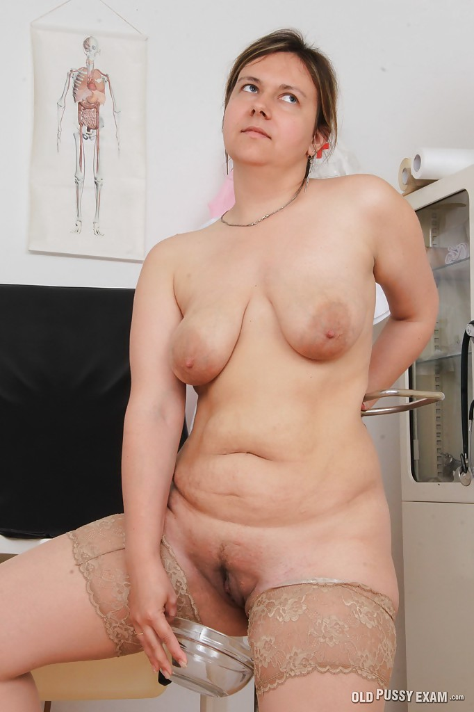 Older woman with big pussys